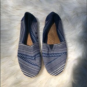 Blue Patterned Canvas Toms One for One Size 7.5